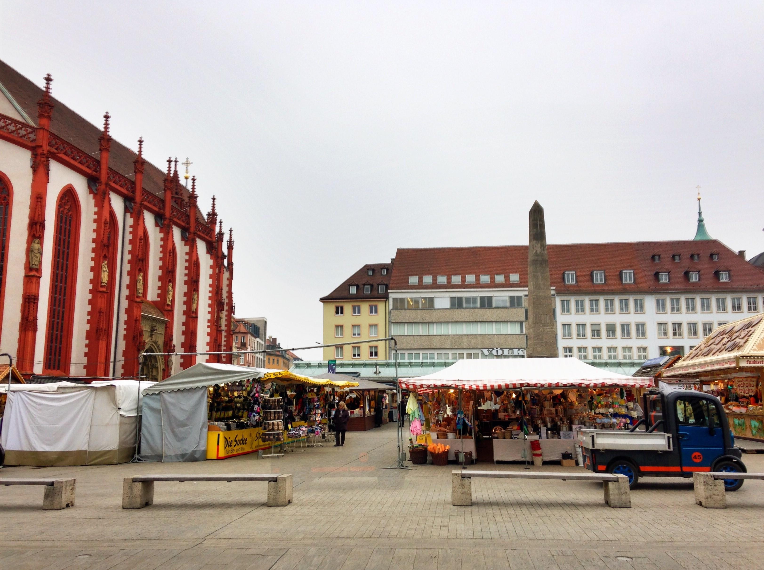 Der Marktplatz - Ausläufer des Frühlingsfests